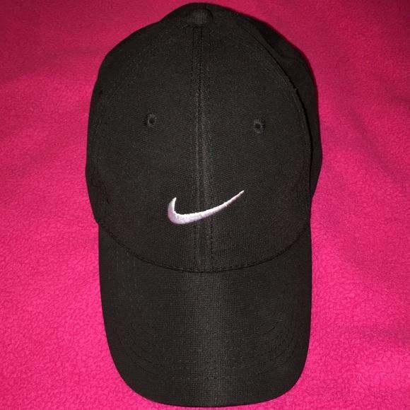 Black Nike Cap - Men or Women. M 5c3950968ad2f9c52eb522dc 74c7cdbbaf9